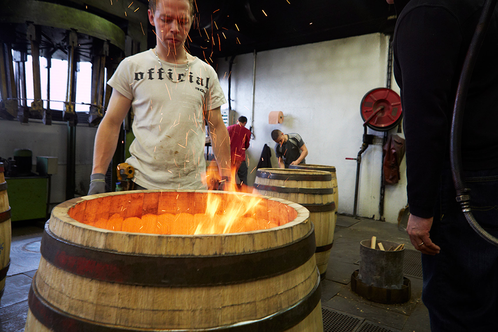 AlanCampbellPhotography, toasting the barrels in a cooperage
